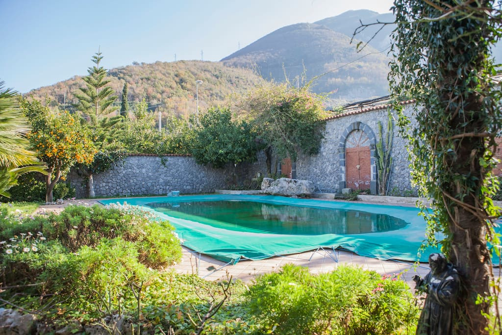 Camera quadrupla con uso piscina bed breakfasts for - Piscina sant albino ...