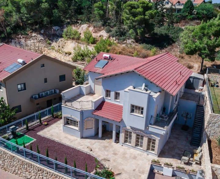 Hila's House