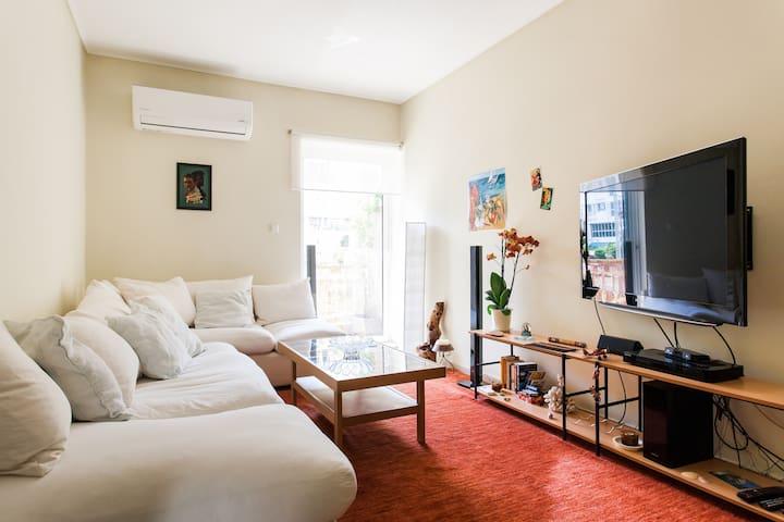 Central faliro Apartment near to marina/4' tram st
