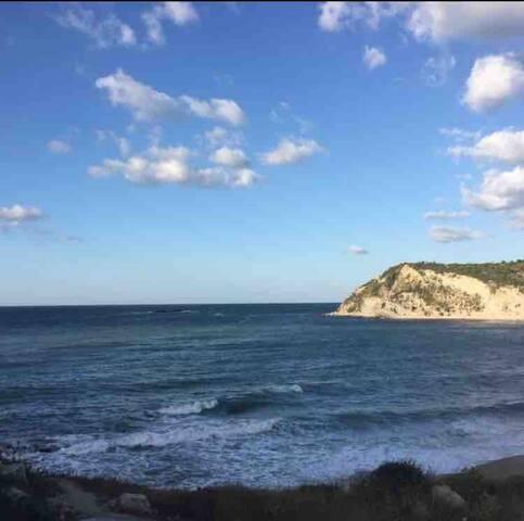 Denize 50m mesafede deniz manzaralı 2+1 daire