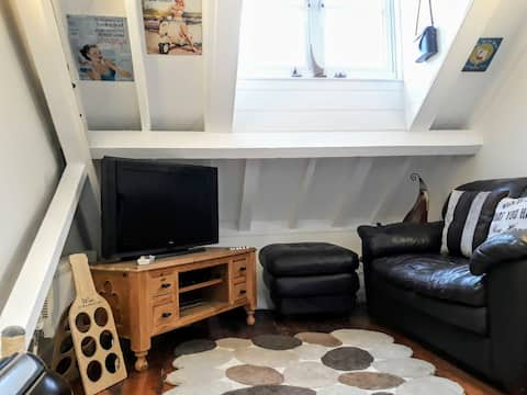 Double room in converted brewery house in Ryde.