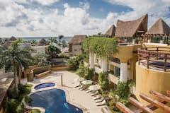 Luxury+Condohotel+on+the+Beach%2C+Pueblito+Escondido