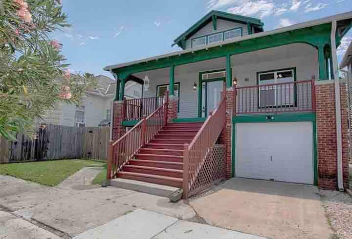 Historic 1920s Elevated Craftsman Home -Restored
