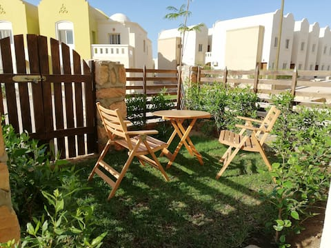 Fully furnished Studio (Makadi heights)with Garden