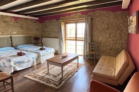 Bonita Casa Rural en la Baja Montaña de Navarra