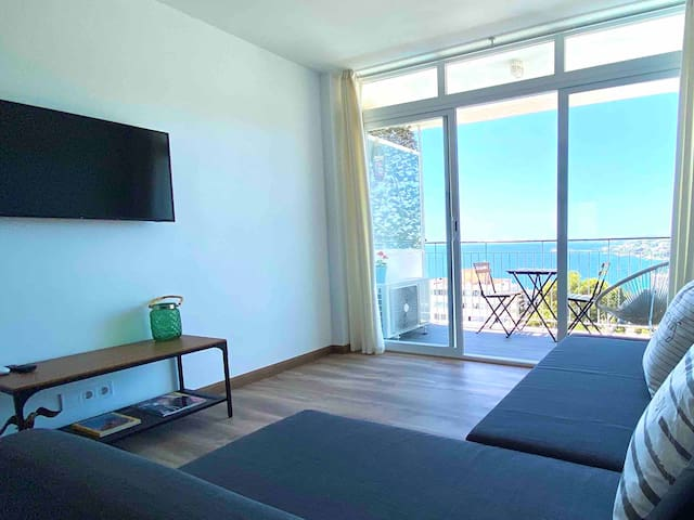 Fantastic New SeaView Apartmenet near beach