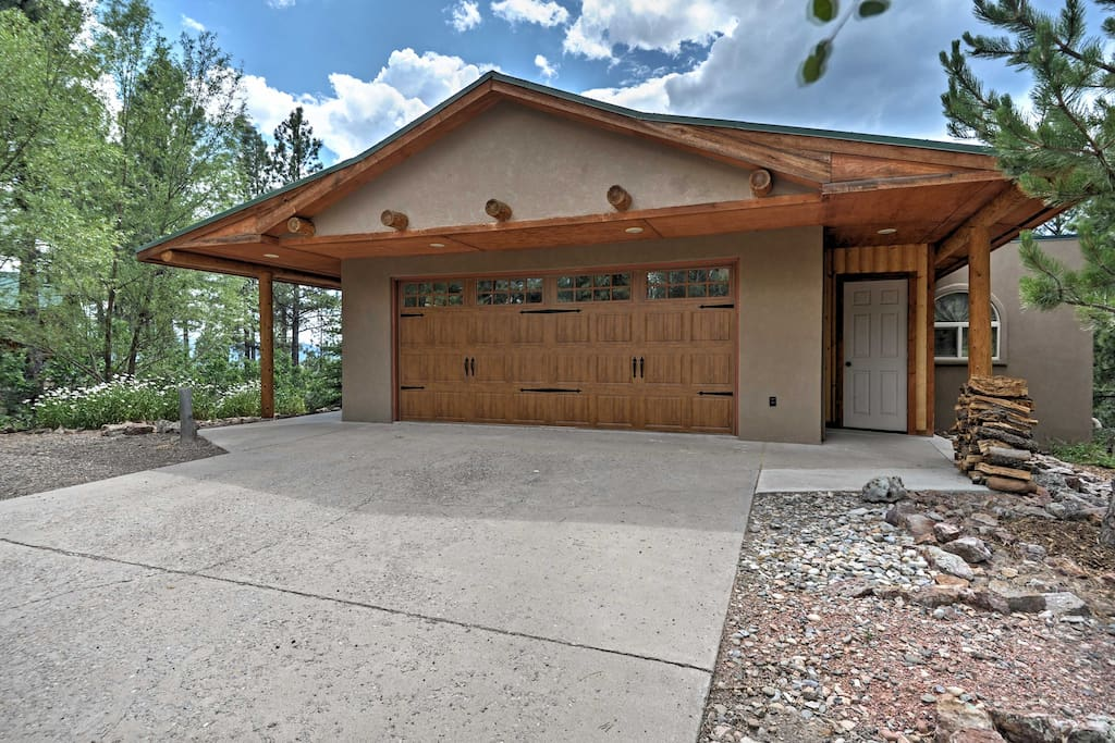 You'll love all the outdoor feels this property has to offer.