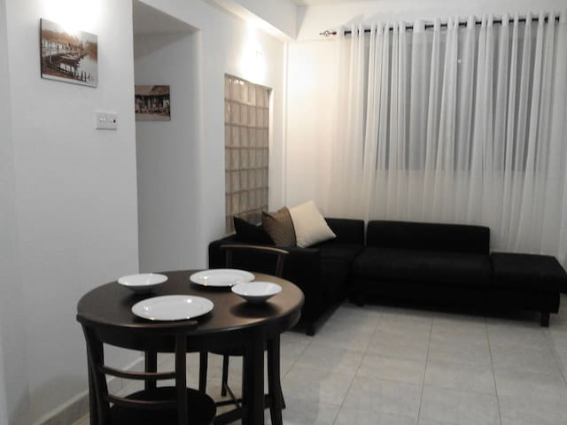 Great Location in Colombo. Safe, Private & Modern - Colombo - Apartament
