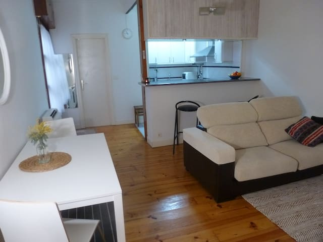 Quiet apartment close to Casco Viejo, Bilbao - Bilbo - Apartamento