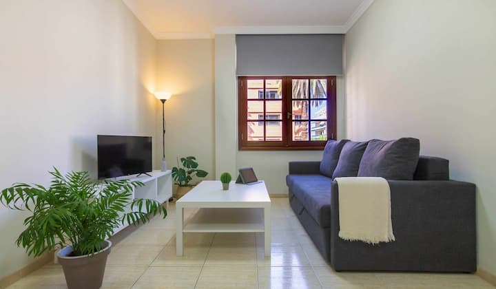 150 METRES FROM THE BEACH, 1 ROOM!