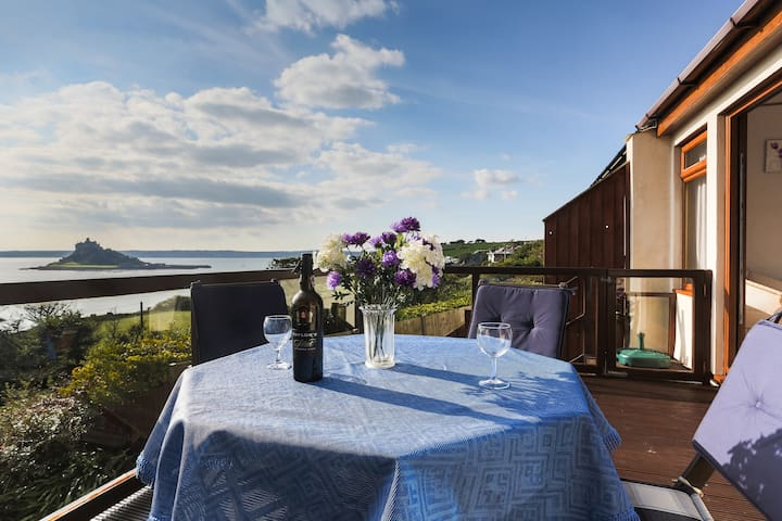 Sunny room with spectacular seaview - Marazion