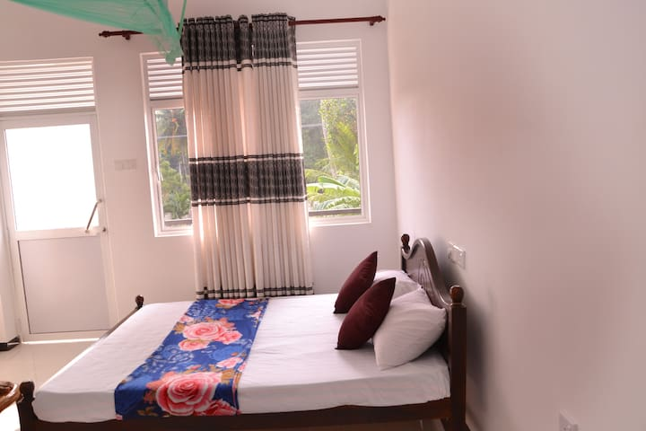 Sera Villa Room 8 - Standard room with Double bed