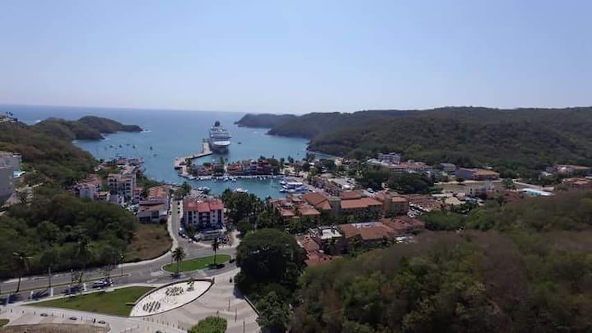 HABITACIONES NUEVAS Y CONFORTABLES - Santa María Huatulco - Dom