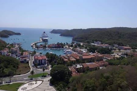 HABITACIONES NUEVAS Y CONFORTABLES - Santa María Huatulco - Haus