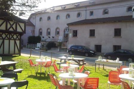Auberge de Jeunesse - Gannat - Kollégium