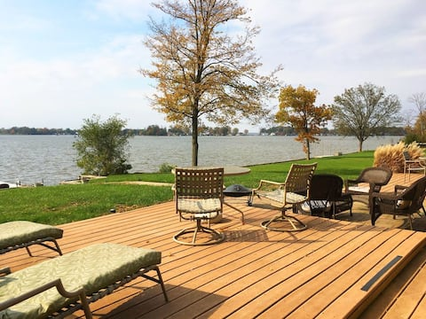 Waterfront 5 Bedroom Lake house - Indian Lake