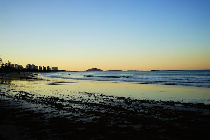 Ocean Views 100m from Alex beach - Alexandra Headland - Appartement