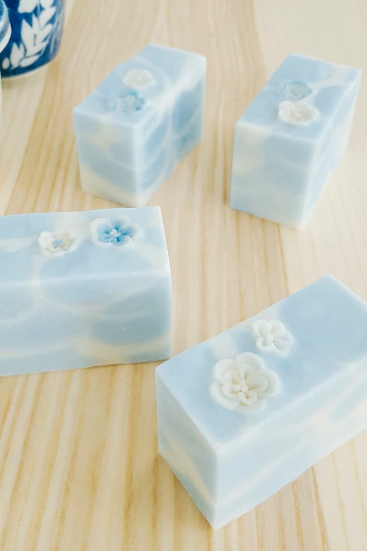 Cold process art soaps - Flower on water