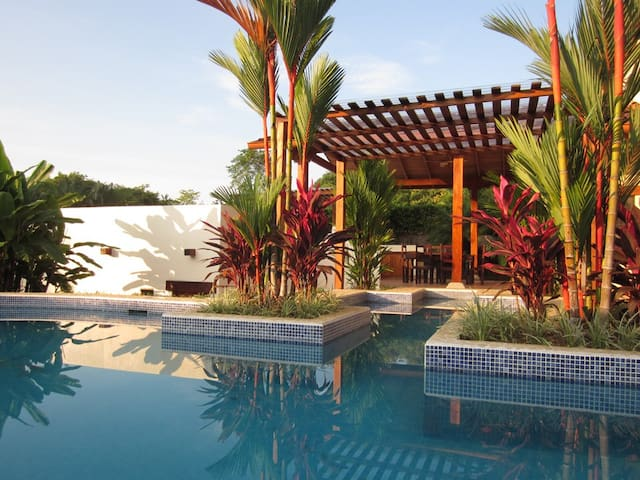 Casa blanca Villa with private pool - Playa Hermosa - Huis