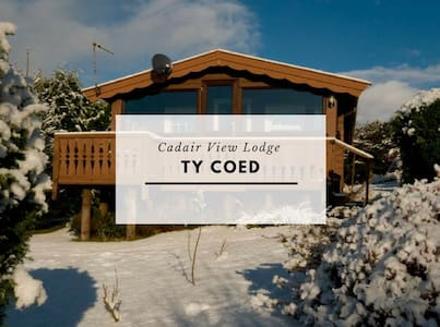 Cosy Log Cabin With Stunning Views
