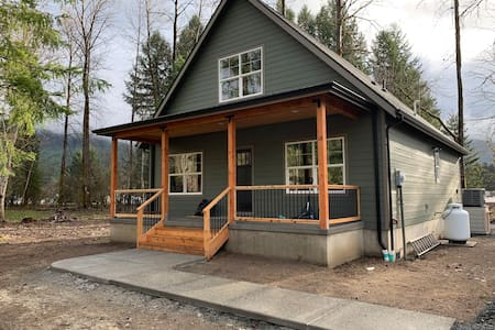 Elkhorn Chalet in the Heart of Packwood
