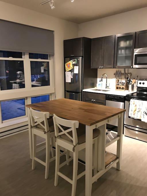 Kitchen & Kitchen Table