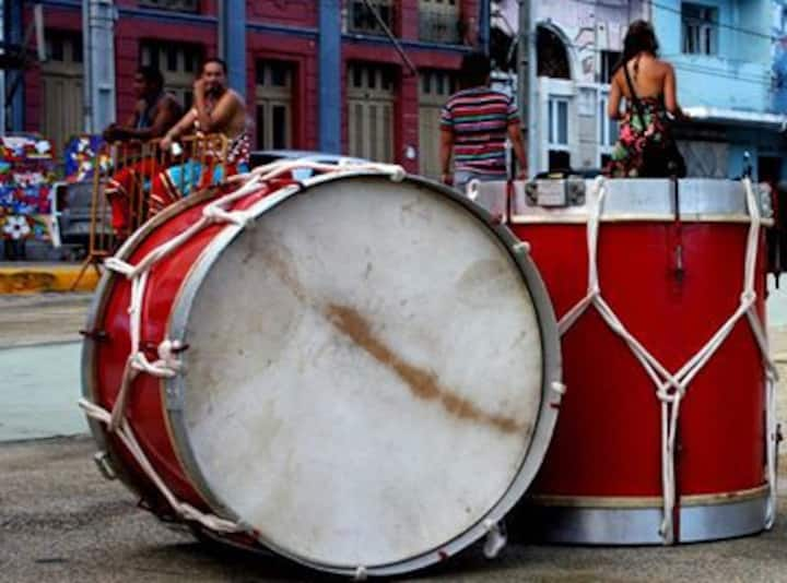"""Quarto para """"carnavalizar"""" em Olinda."""