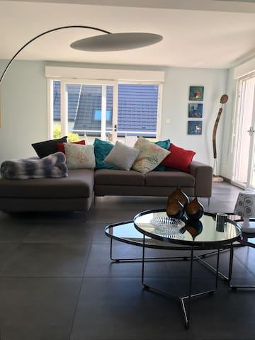 Maison spacieuse et lumineuse avec grande terrasse - Reitwiller - House