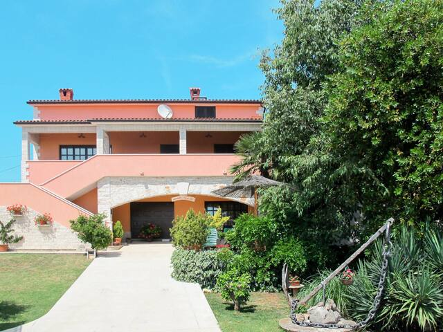 Apartment Haus Damjan for 4 persons