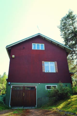KAPTEENI: the House (4 bedrooms / 9-11 people) - Naantali - Huis