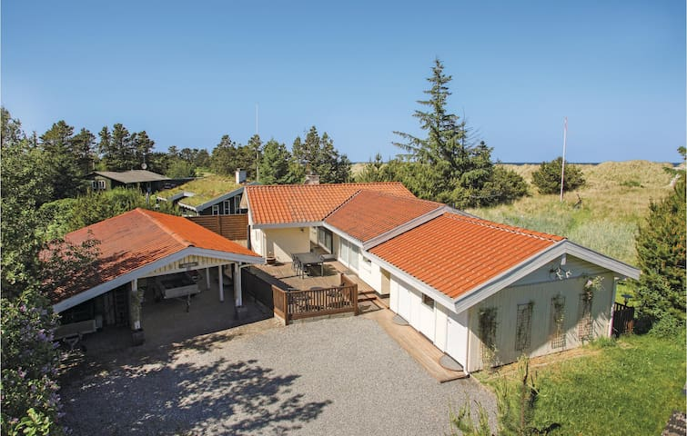 Holiday cottage with 4 bedrooms on 89m² in Jerup