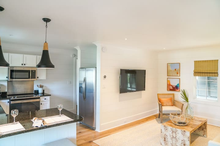 New Carriage House in Seagrove Close to Beach