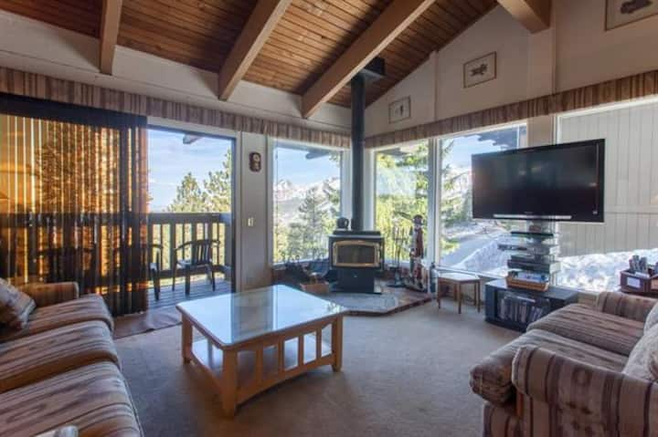 The best view in Mammoth!  Sleeps 4 - 6.