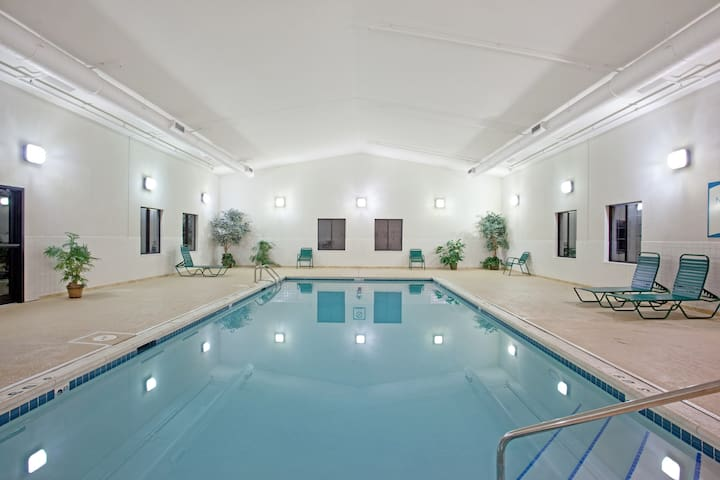 Equipped Corporate Center Suite with Pool Access + Free Breakfast