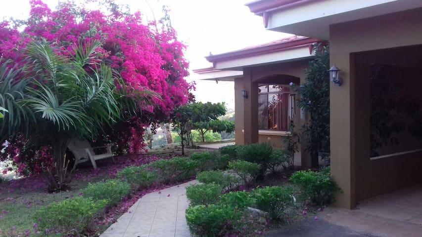 Casa en La Palma de Puriscal - San José