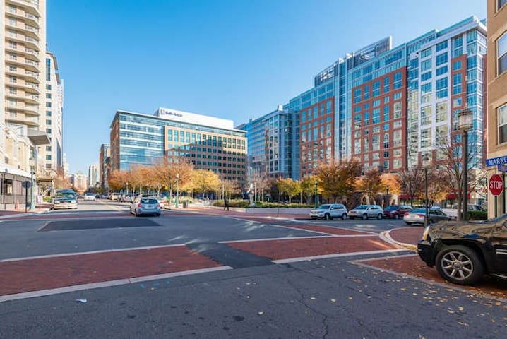 Reston Lux 2BDRs with additional 1BDR Loft Condo - Reston - Appartement en résidence