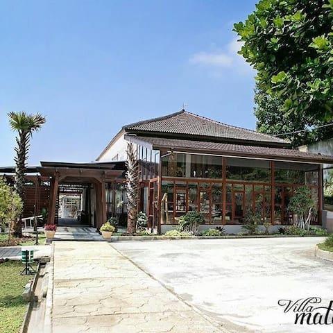 Villa Matamori - the big villa in Bandung Lembang