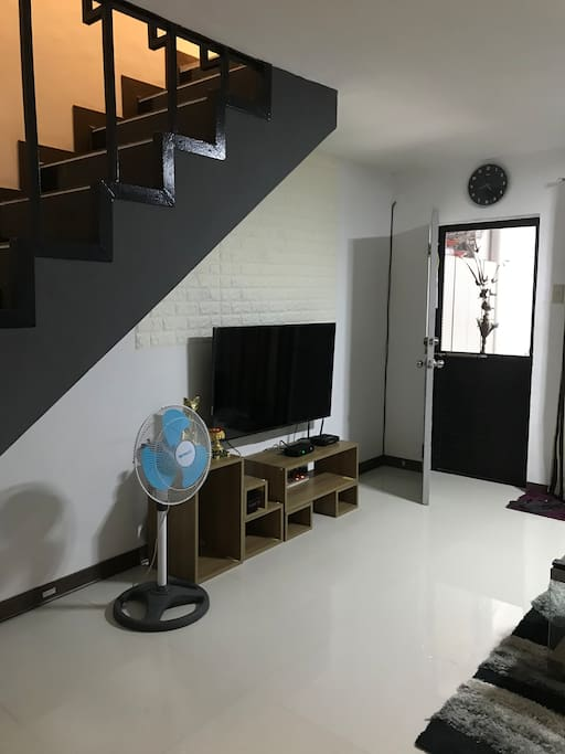 With Flat screen Tv, Cable and High speed internet
