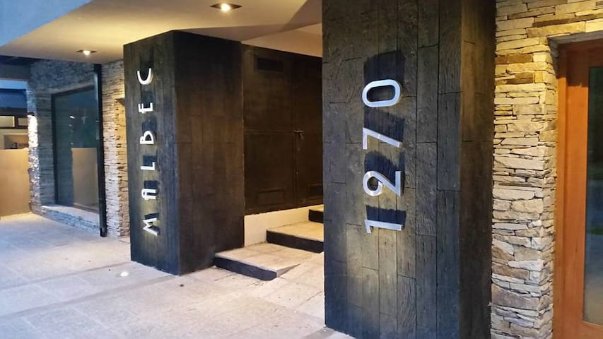 Depto Moderno Excelente Ubicación en el Pueblo - San Martin de los Andes - Apartment