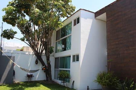 CENTRO. CIMATARIO. Big and confortable House. - Santiago de Querétaro