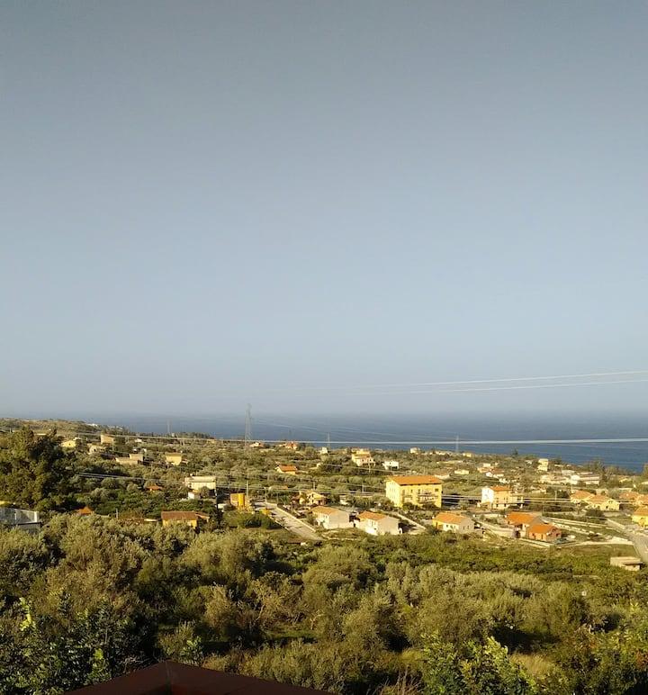 Casa vista mare a serra scirocco