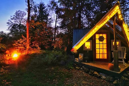 Magical Cozy Vermont Cabin & Sauna