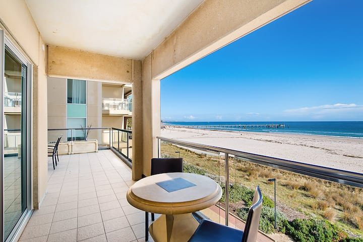 Glenelg Beachfront Luxury Apartment