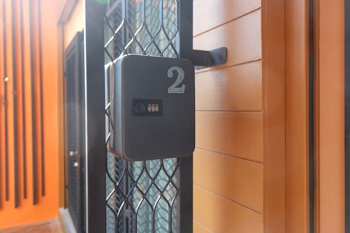 NEW Private loft studio room near Nimman rd(2)