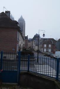 Maison de ville proche cathédrale - Noyon - Rivitalo