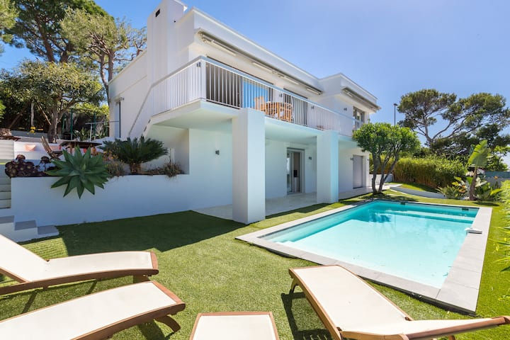 Contemporary Furnished Villa with Private Pool