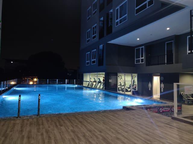 素坤逸97巷一室一厅,临近 bts  泳池健身房免费嗨