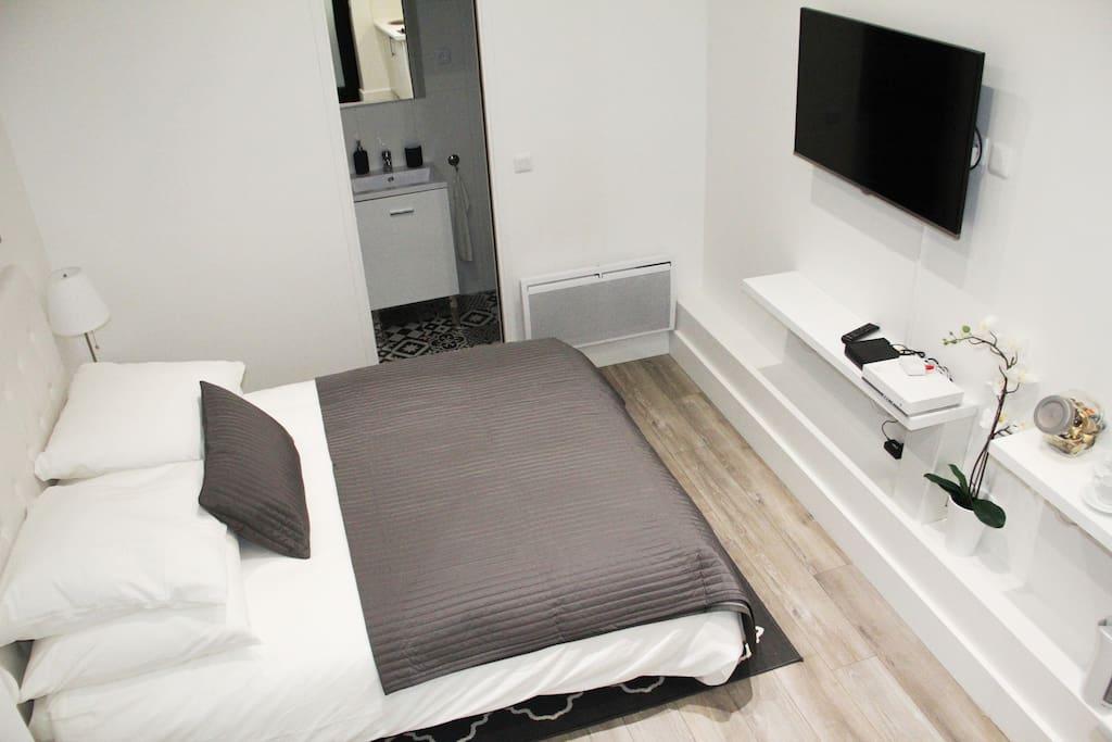 lovely parisian apartment apartamentos en alquiler en par s isla de francia francia. Black Bedroom Furniture Sets. Home Design Ideas