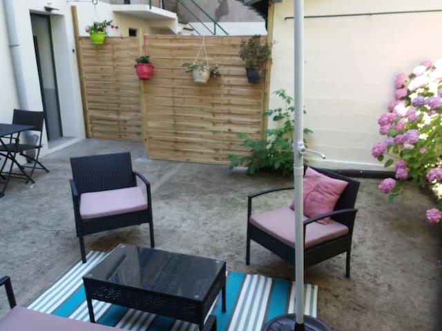 Hübsche Fewo mit Garten & Terrasse