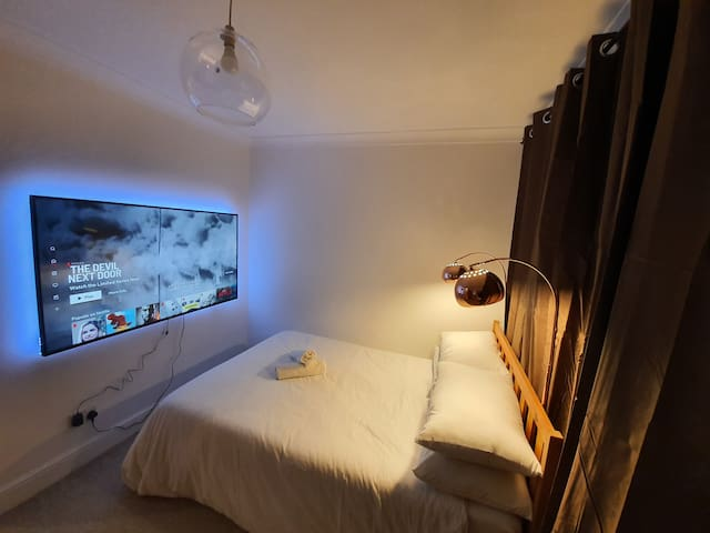 Cosy Luxury Hotel themed Room (VHS)